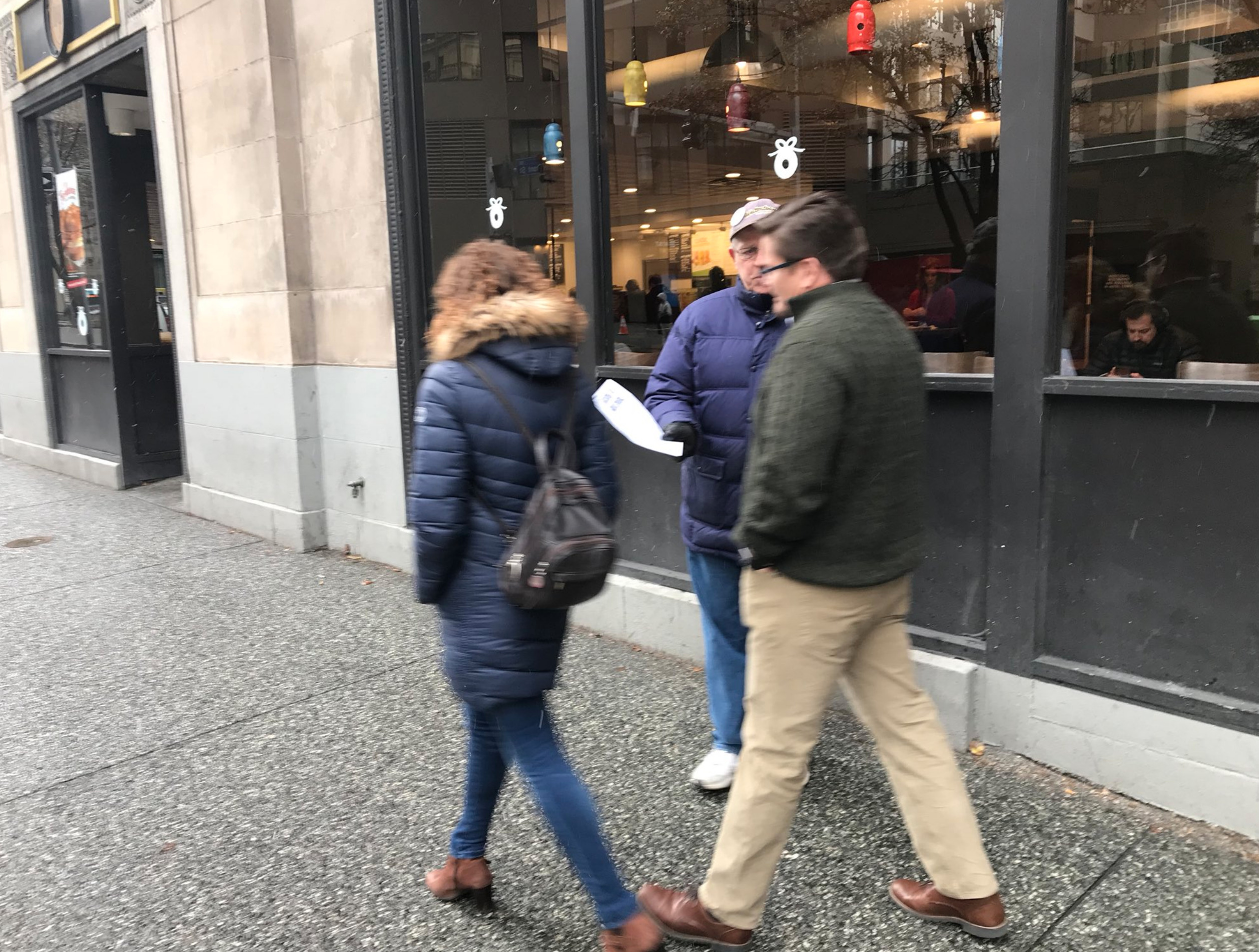 Screenshot_2018-12-05 Jonathan Silver on Twitter Guild members are hard af work leafleting this morning in pursuit of a fai[...](4)